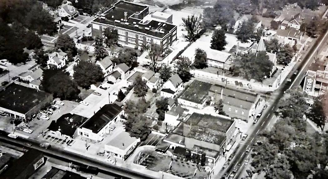 Liberty-Court-Broadway-Friendship Aerial 1957.jpg