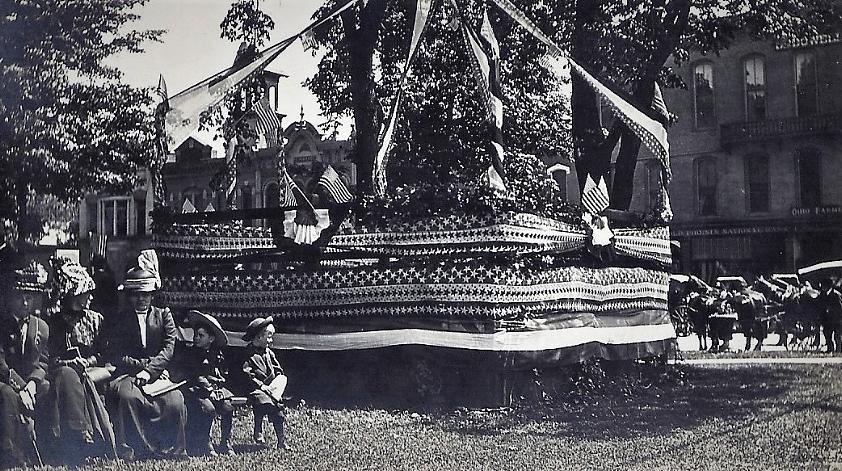 Medina Memorial Day, Public Square, c. 1910.jpg