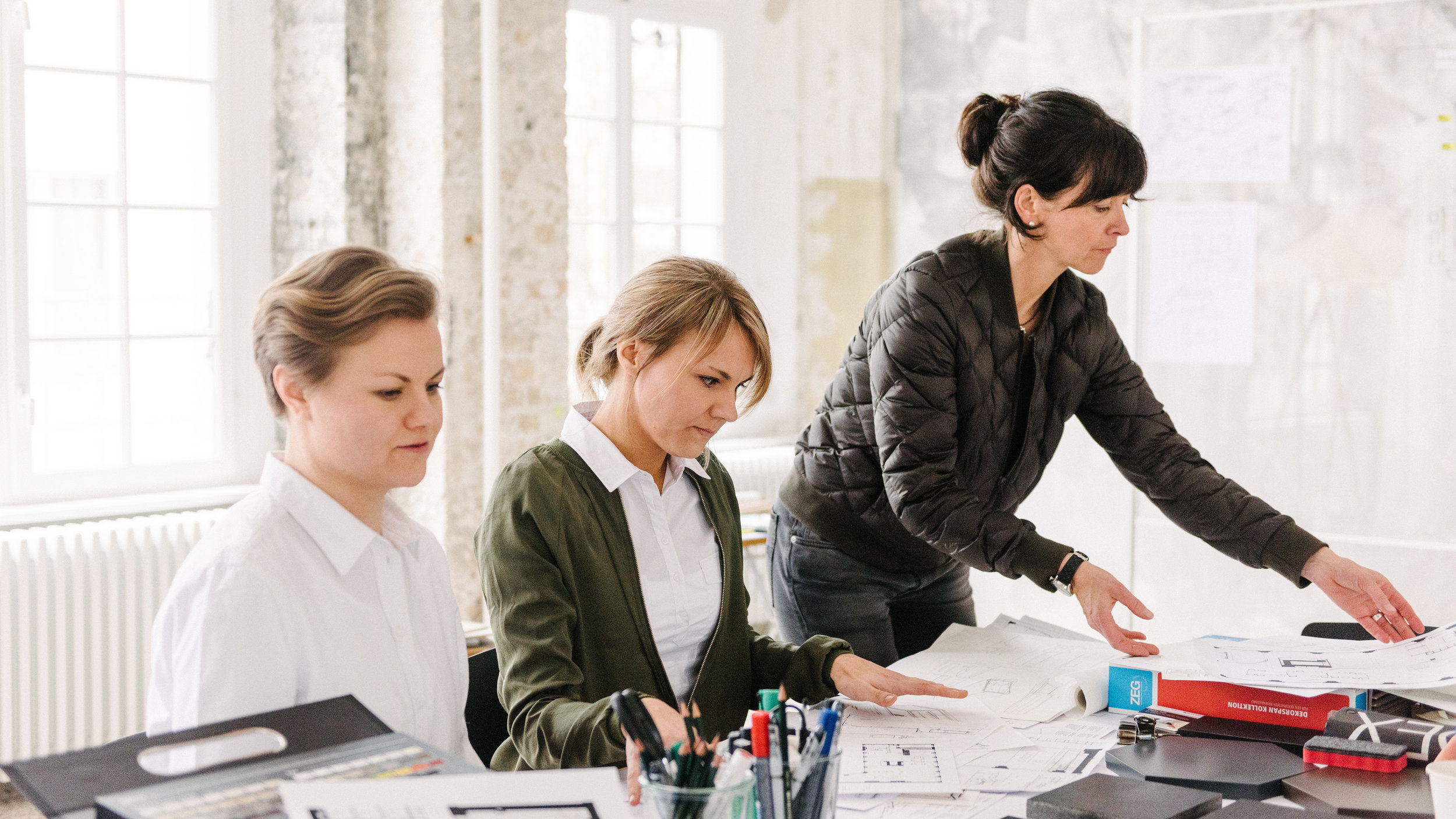 Siemens Built-In Kitchen Project, Anna-Riikka & Katriina Nuutinen at meeting in Berlin 2017   Read more about the project.