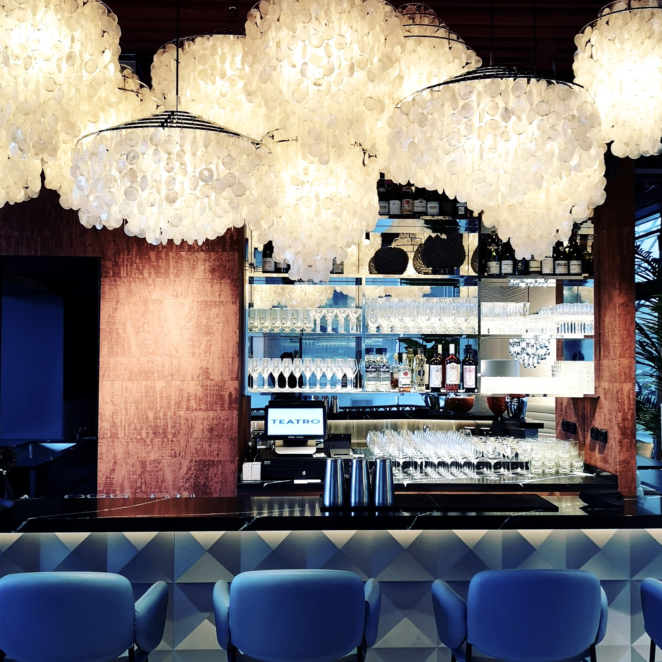 Teatro Terrasse - Glamorous 70' s vibes for a cool downtown brunch spot and late night party pizzas.
