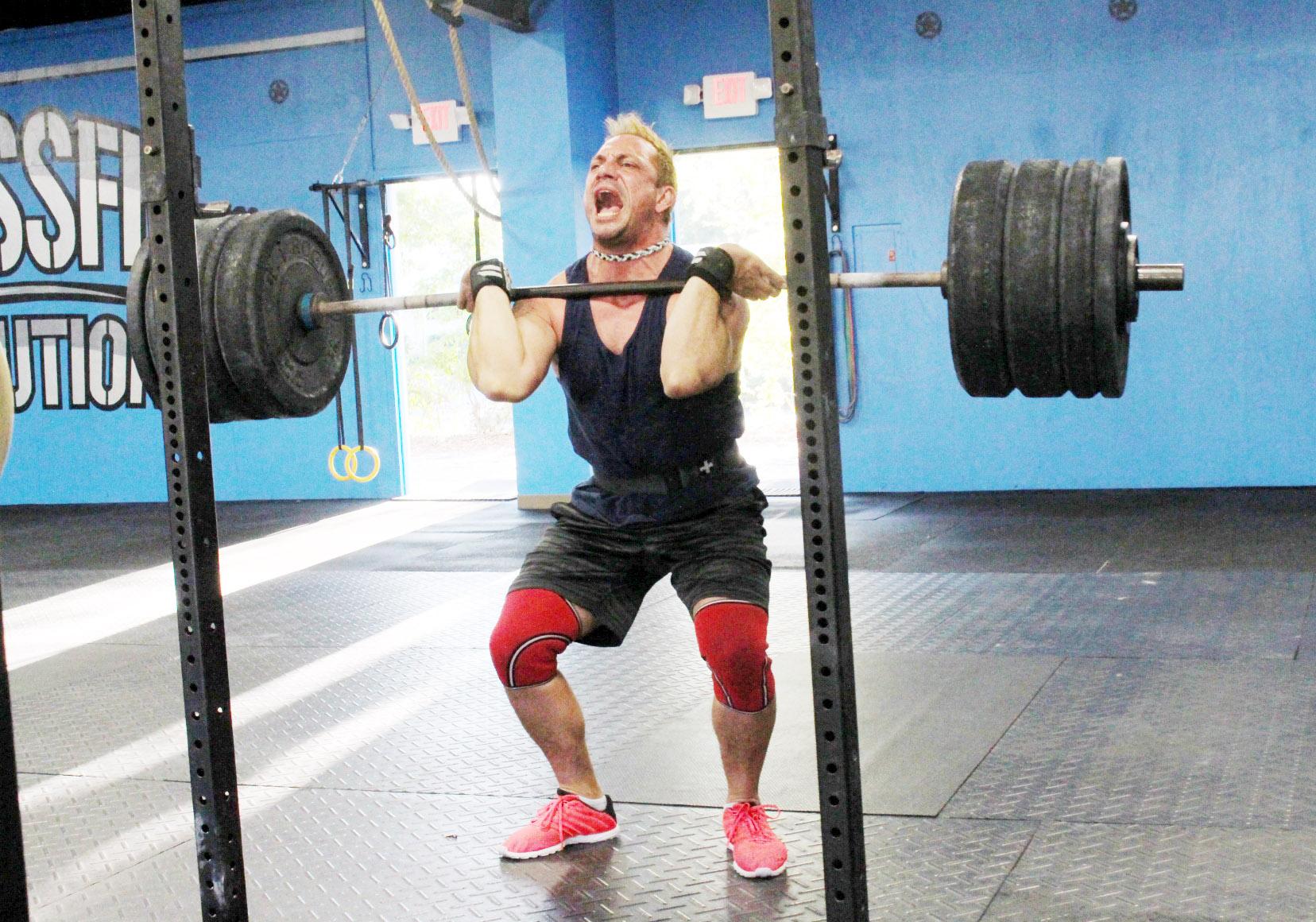Ismael finishing a 310 lbs Front Squat PR!