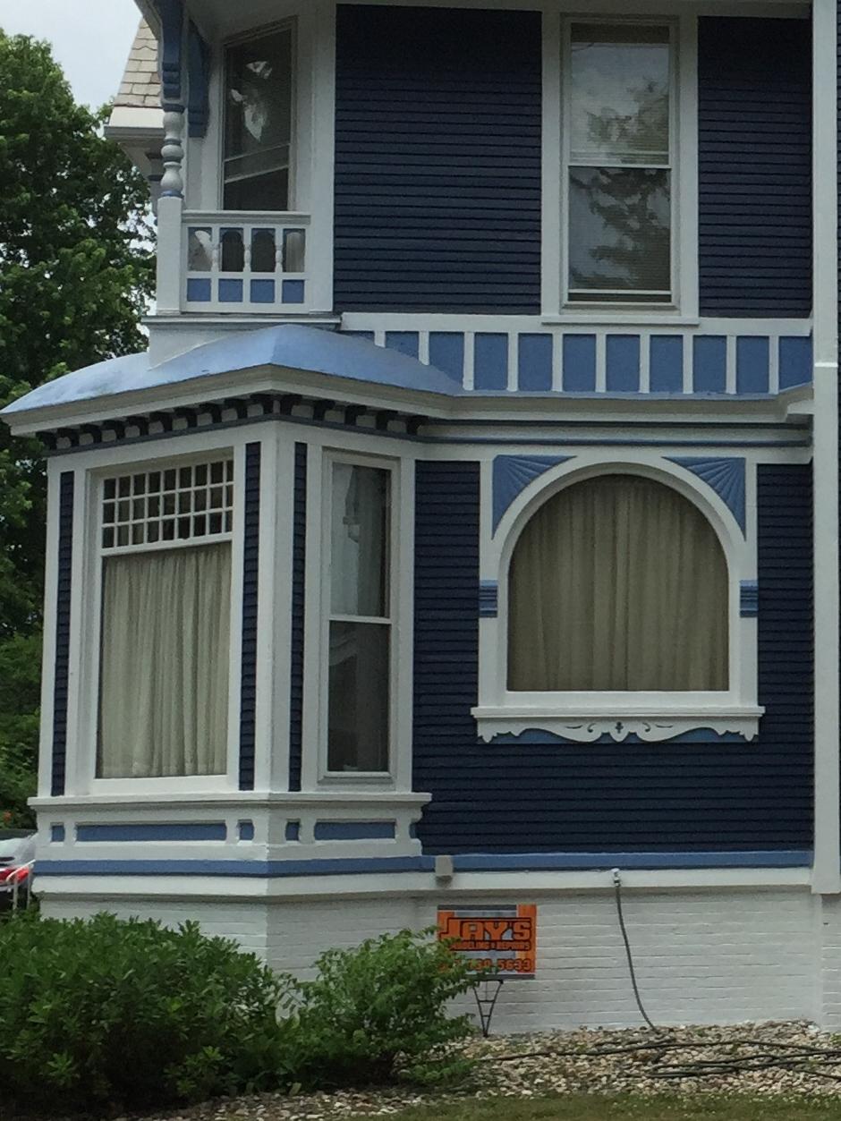 Queen Anne Windows