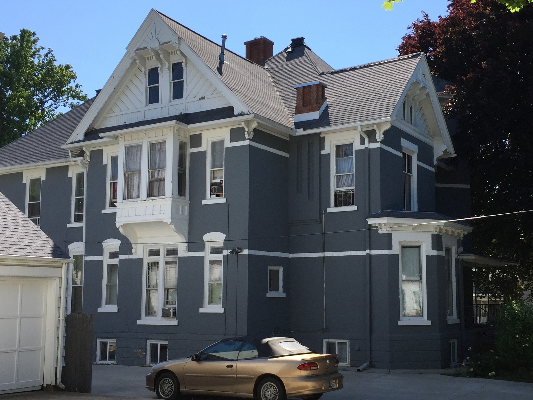 Robert Gilliland House, 304 North Clinton Street, c. 1890