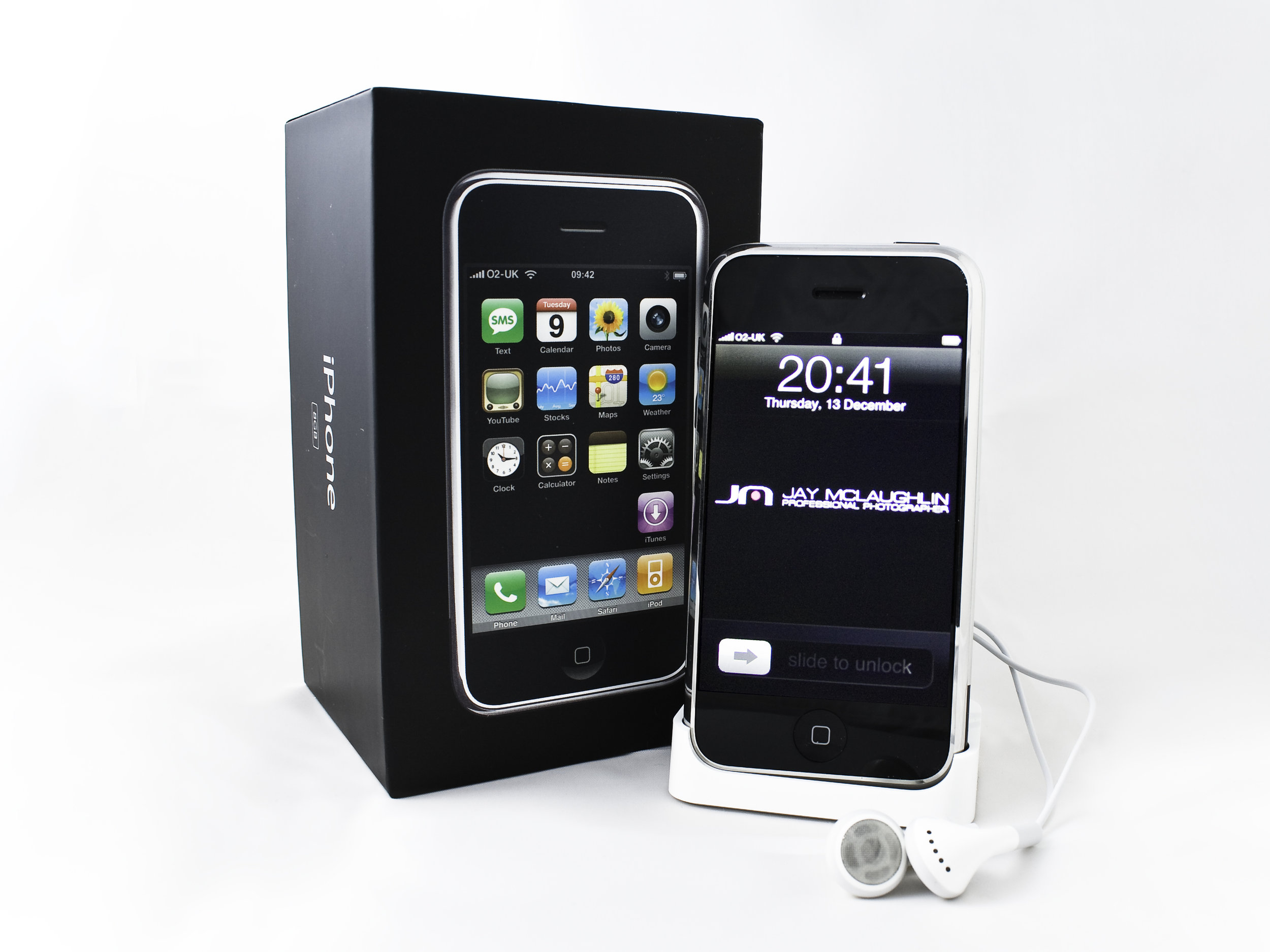 iPhone 2G Original Retro Vintage 8GB Jay McLaughlin