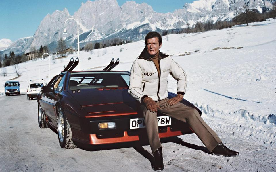 James Bond Style Icon 007 Roger Moore Snow Lotus Esprit