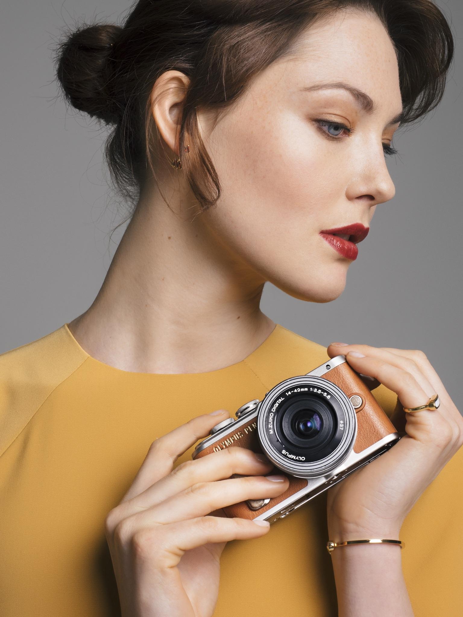 Olympus PEN E-PL8 Fashion Accessories Campaign Photoshoot Martine Lervik