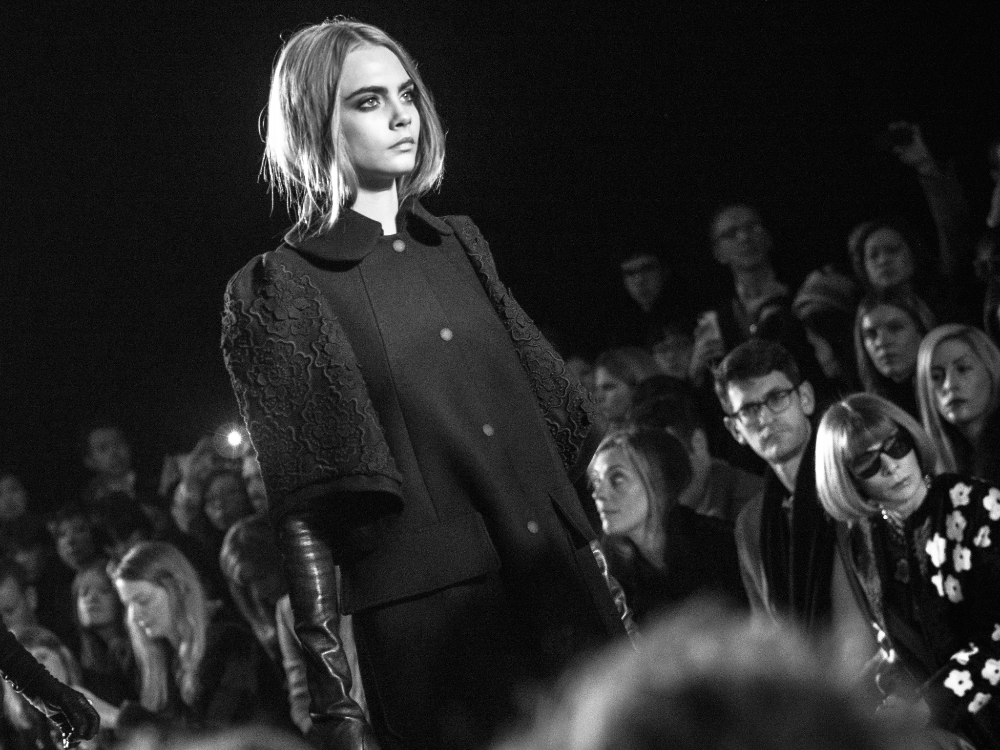 London Fashion Week LFW Runway Show Photography Photograph How to Model Walking Catwalk Youtube Video Guide Tutorial Mulberry Cara Delevingne Anna Wintour
