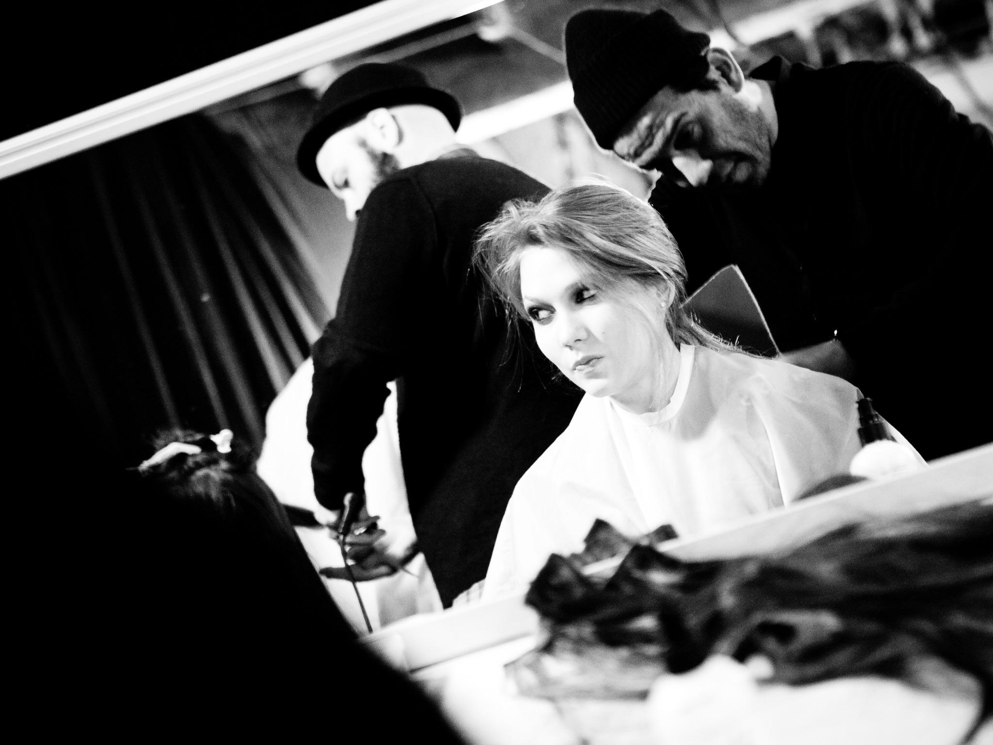 London Fashion Week LFW Runway Show Photography Photograph How to Model Walking Catwalk Youtube Video Guide Tutorial Backstage Karlie Kloss Zac Posen PFW Paris