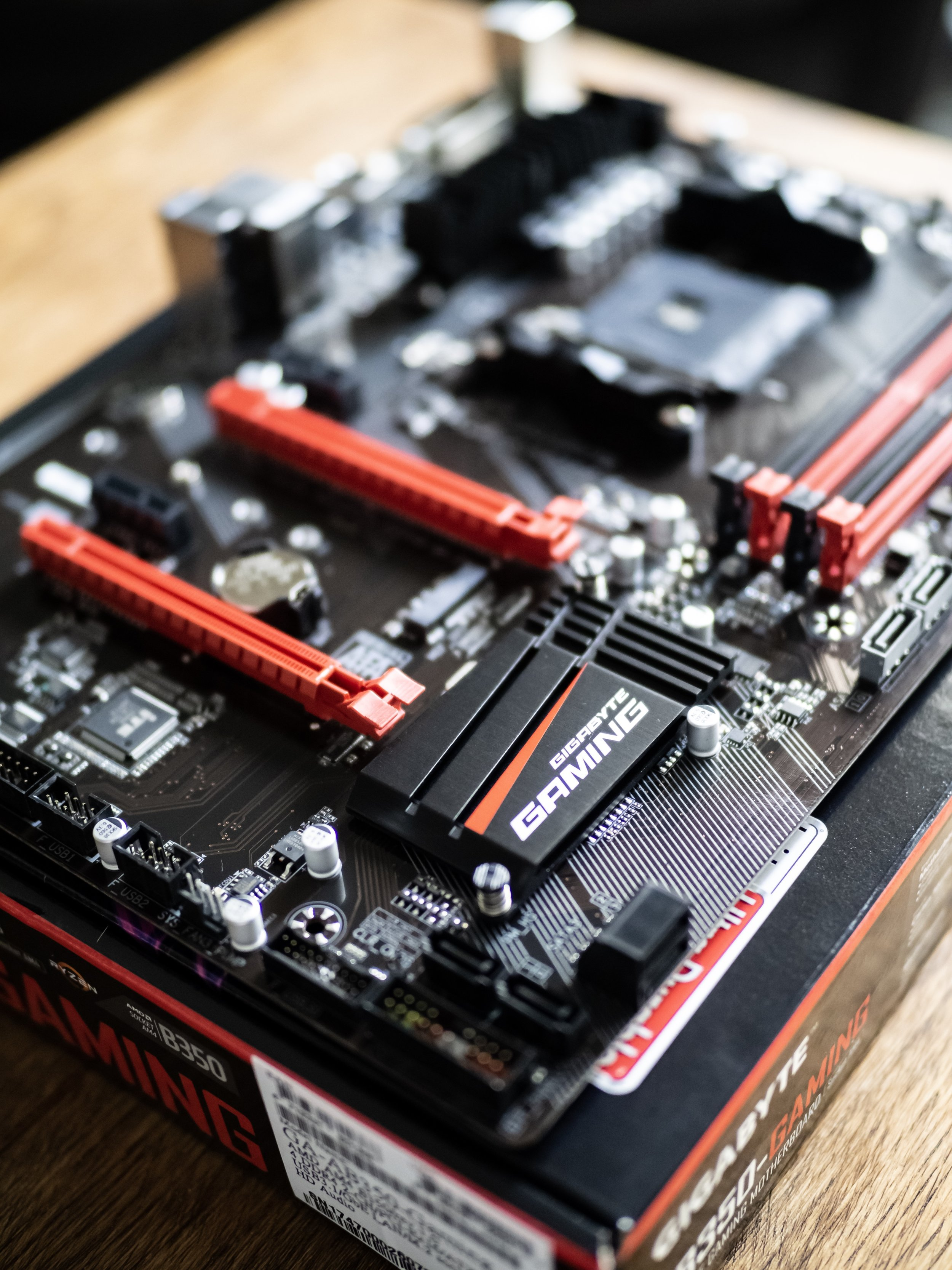Gaming PC Build Gigabyte AB350 Motherboard