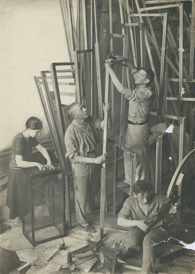 tatlin_tower_workers.jpg