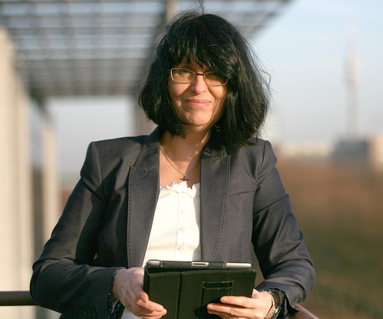 business-woman-746766_1280.jpg
