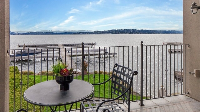 302 Lakeside Ave S #101 | $1,615,000