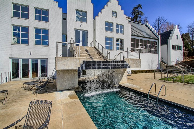 $2,950,000 USD | Signal Mountain, Tennessee | Alliance Sotheby's International Realty