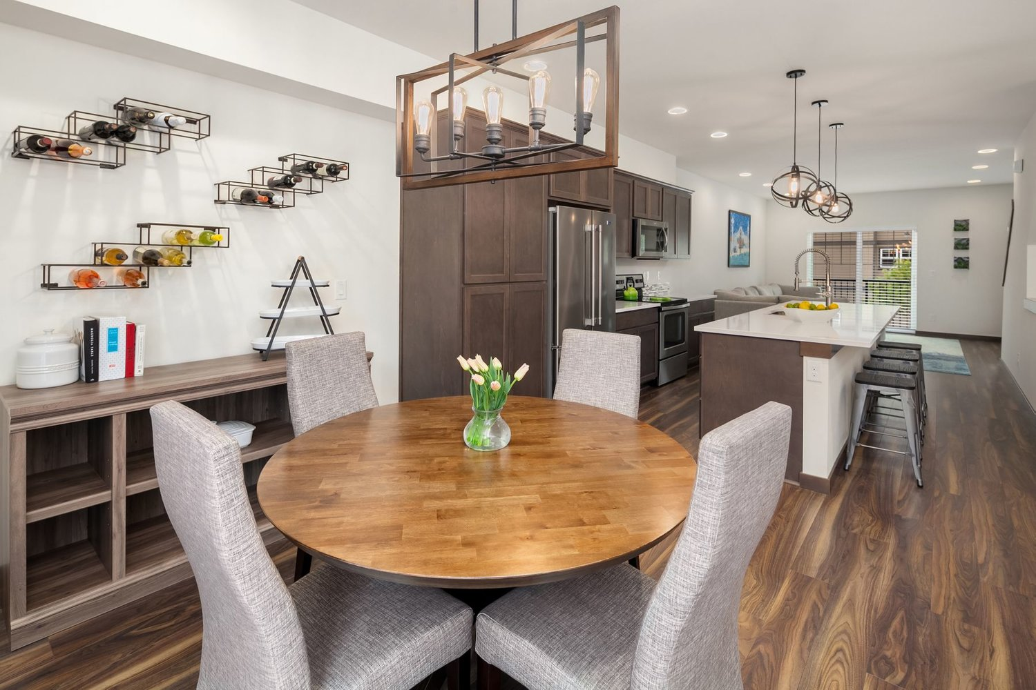 7175 27th Ave SW | $549,000