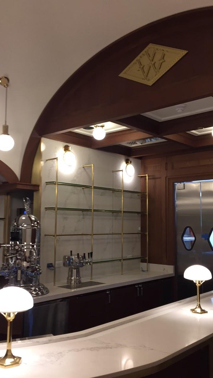 Woolworth.backbar.shelves.West.JPG