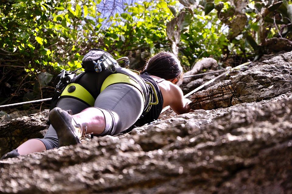 climbing-2101262_960_720.jpg