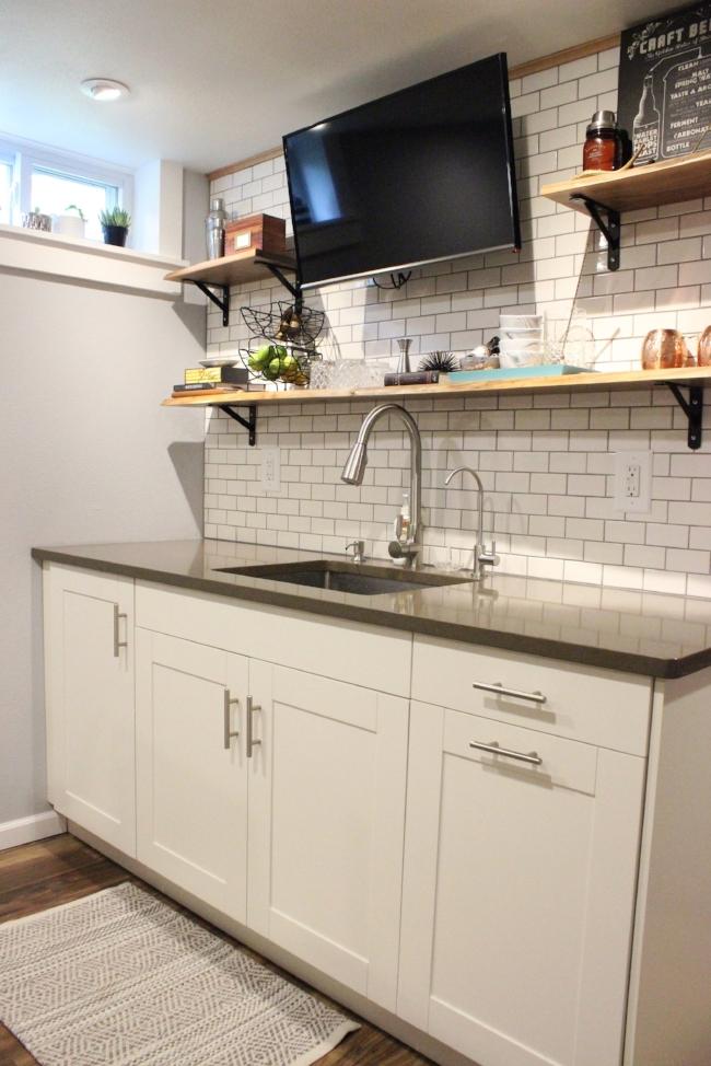 modern rustic subway tile basement kitchenette | la petite farmhouse