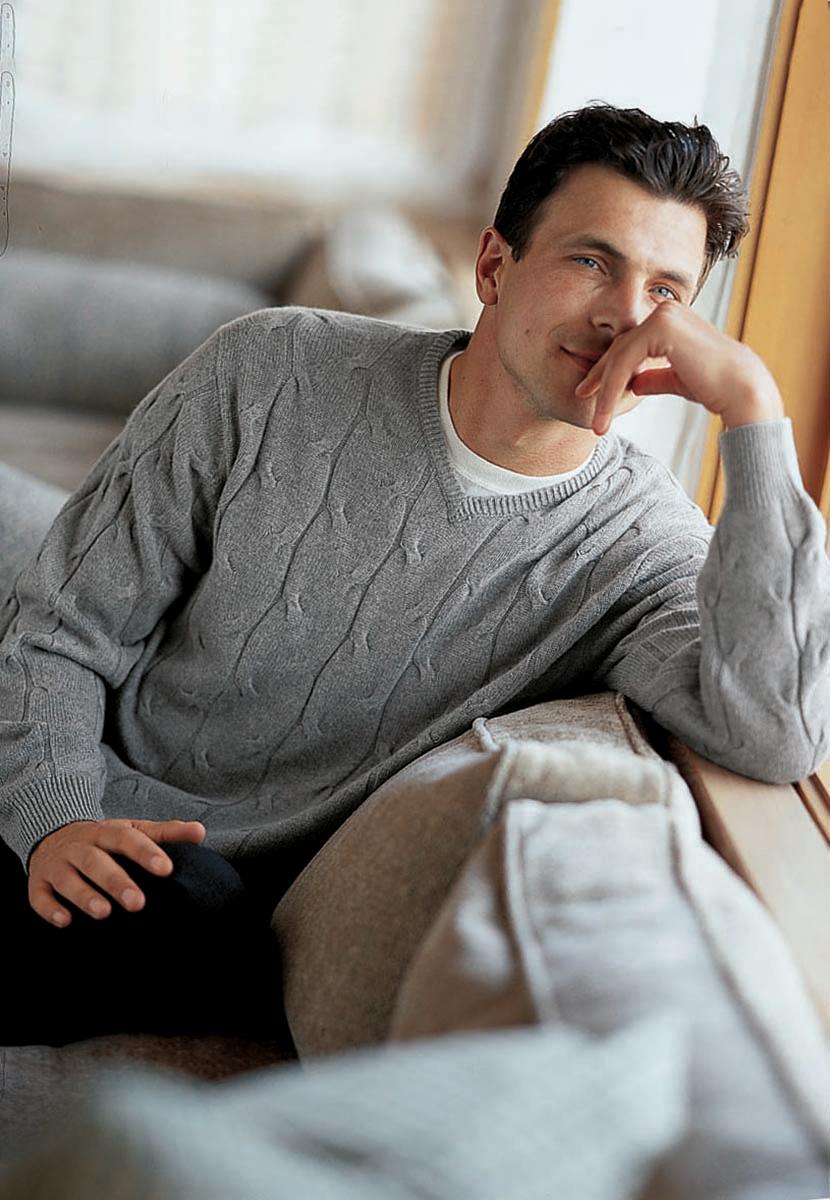 MEN_Mike-sweater_1200.jpg