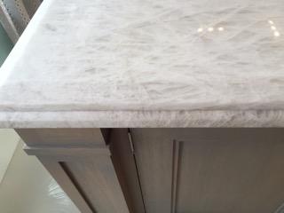 white quartz counter 3.jpg