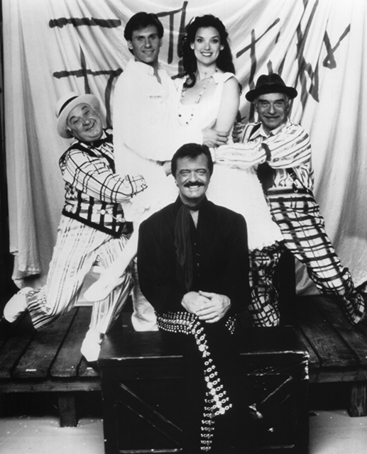 Gerry Vichi as Bellomy, Neil Nash as Matt, Glory Crampton as Luisa, Ralston Hill as Hucklebee, and Robert Goulet as El Gallo in  The Fantasticks .