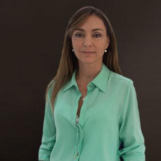 Karina de Azevedo Scandura   karina@daudtadvogados.com.br