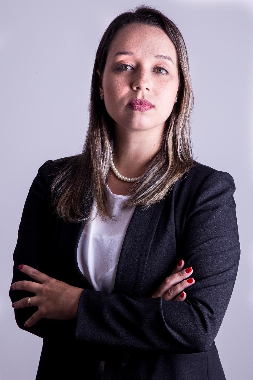 Danielle Araújo de Medeiros Tilio   danielle@daudtadvogados.com.br
