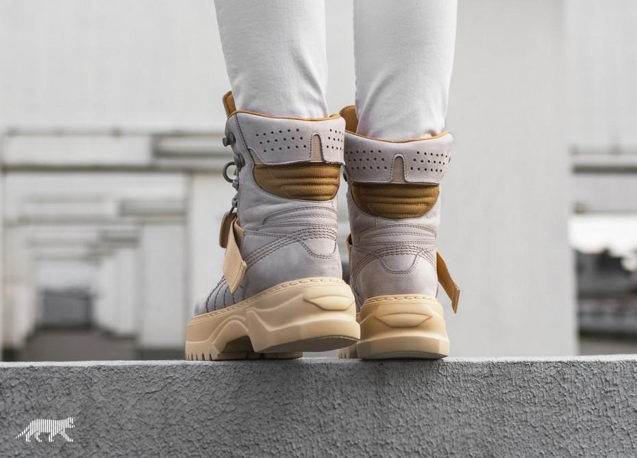 puma-fenty-rihanna-lace-up-boot-november-2017-3.jpg