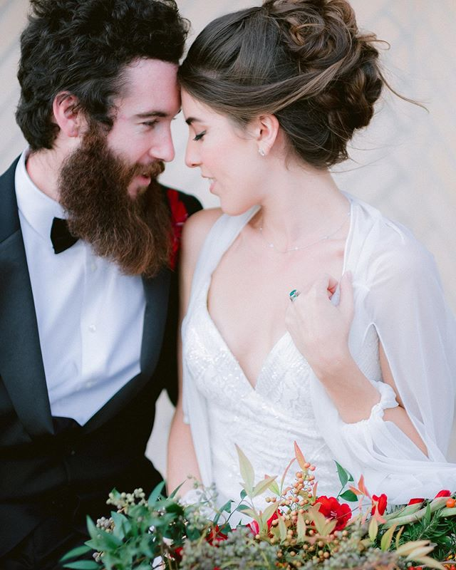 #tbt to this beautiful shoot at @altstadtbrewery featuring this gorgeous sequins number from @eddyk_bridal 😍 tap to see the amazing vendors! ❤️