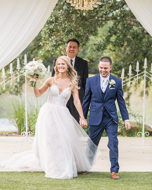 Gorgeous #beatitudebride Lauren tied the knot in  @allurebridals!! Congrats Lauren! 😍Photography: Chandra with @dawnelizabethstudios  location: @kendallplantation  Florals: @heb.blooms Videographer: @eb_imagery  Hair/makeup: @knotandveil  Bar: @bartenders4you  Catering: @heavenlygourmetcatering  DJ: @icadjevents  Cake: @cateringbycelebrations  Custom veil: @acheriecouture  Bridesmaids: @bridalgalleriaoftexas  Menswear: @expressmen