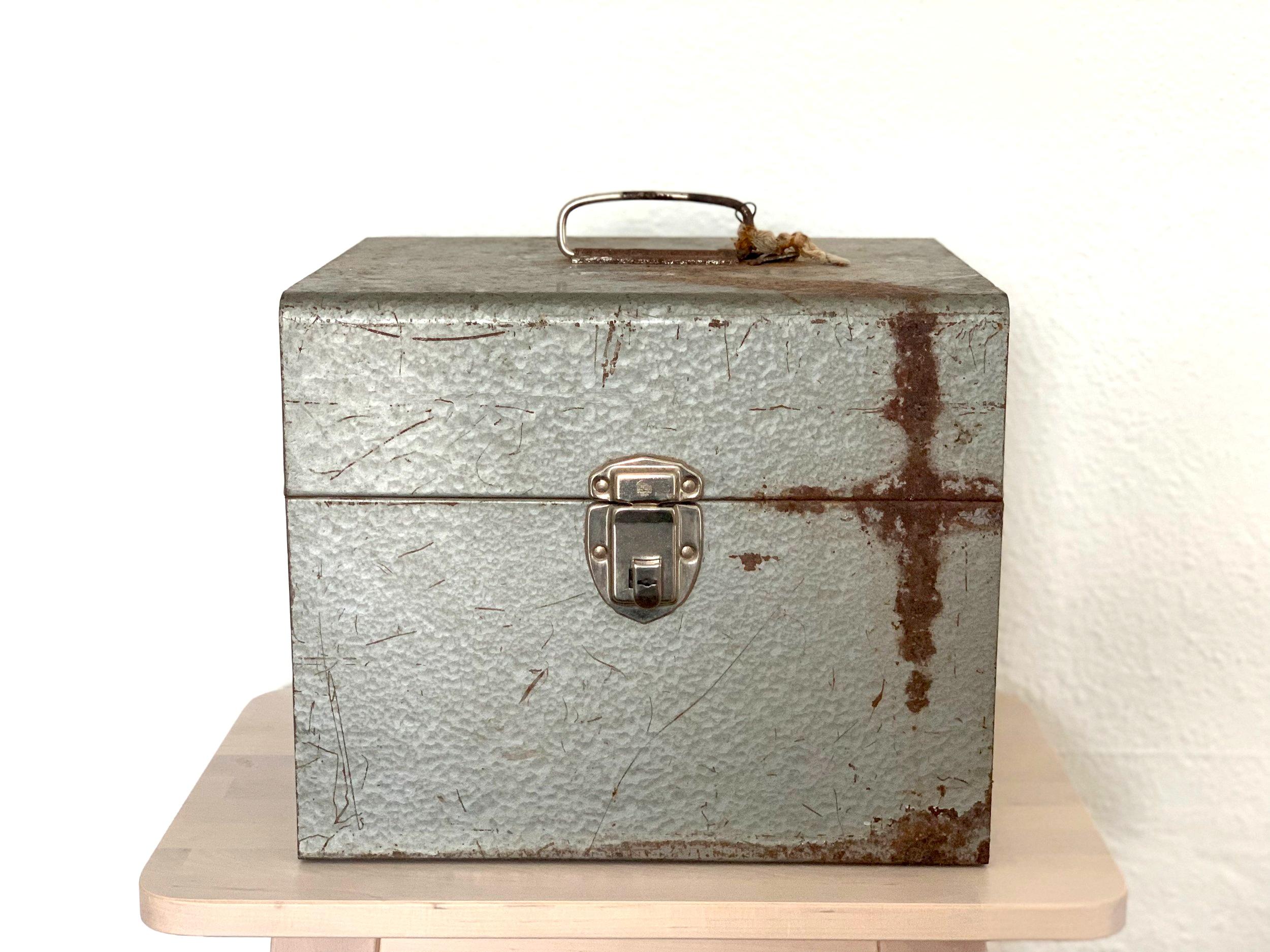 Vintage Metal Toolbox $8