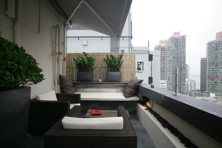 Roof Lounge Day.JPG