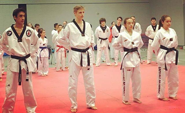 De nouveaux gradés à l'Académie ! Brian 3e dan, Bobby 2e dan, Maélie ceinture noire, et Erika ceinture noire! Bravo! #blackbelt #taekwondo #taekwondoquebec