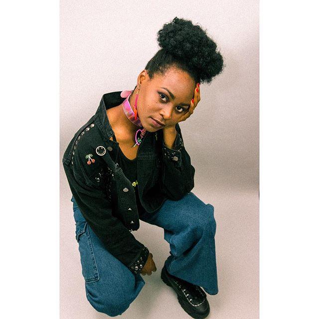Mood. . . @cookeyygam . . . #model #singer #music #fashion #beauty #dancer #80sfashion #woc #nigerian #photography #ezestudio #blackartists #blackgirlmagic #vintage