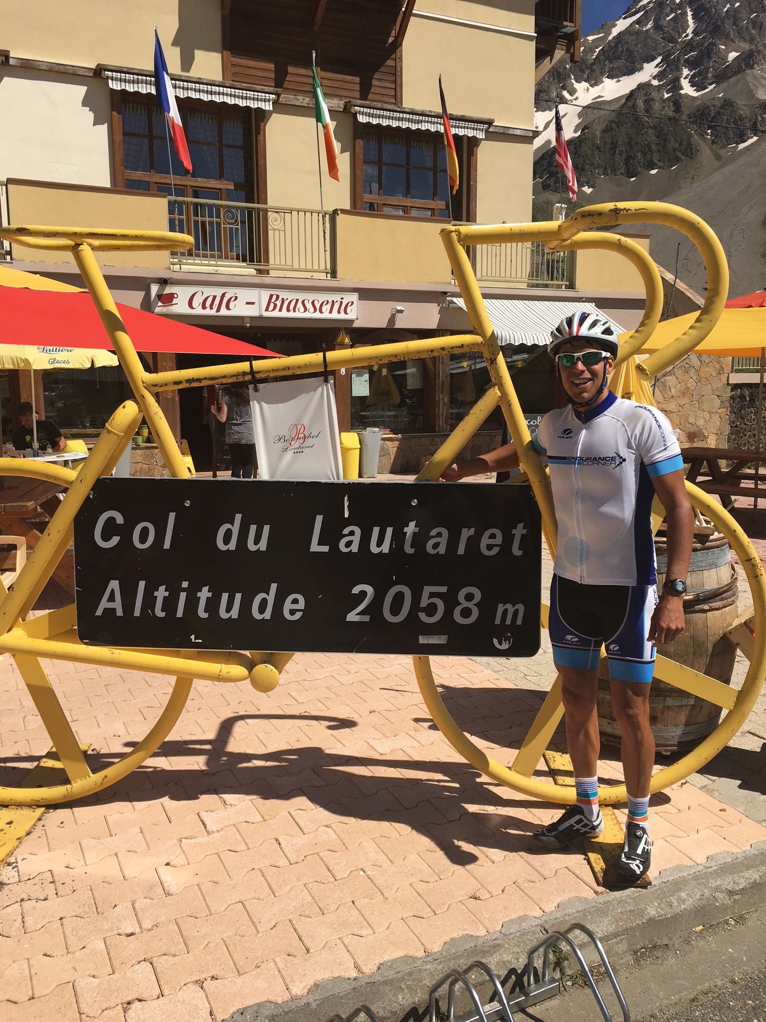Col du Lautaret Summit - Post six choco chip cookies