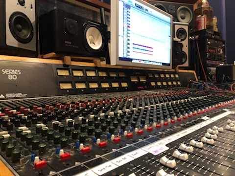 NICE BOARD. - This makes everything sound really good.