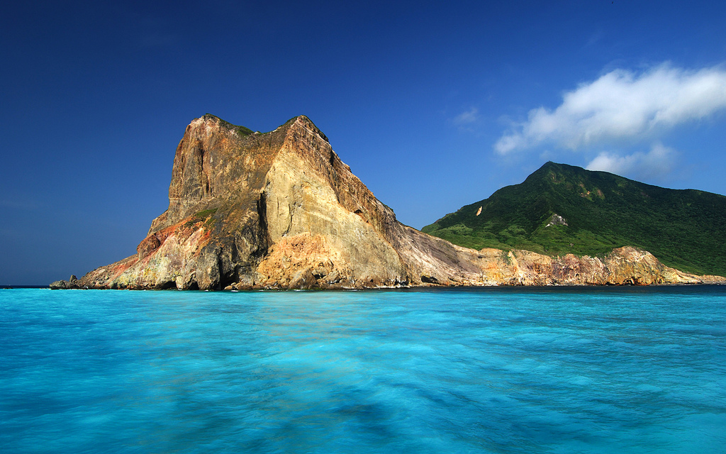 The vibrant blue waters surrounding Turtle Island -- one of Nigel's favorite spots