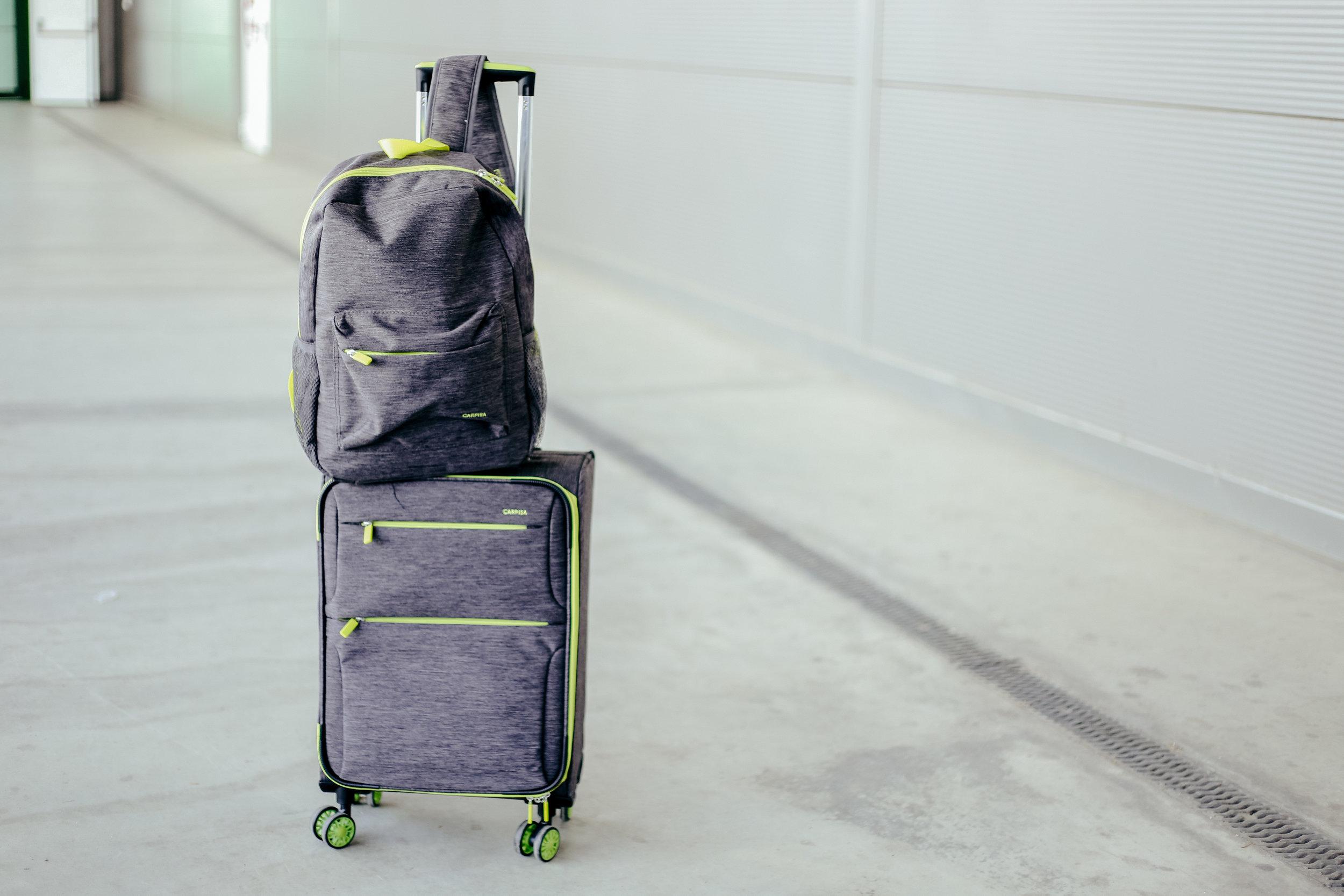 Куфер= 5190 денари Ранец= 2090 денари