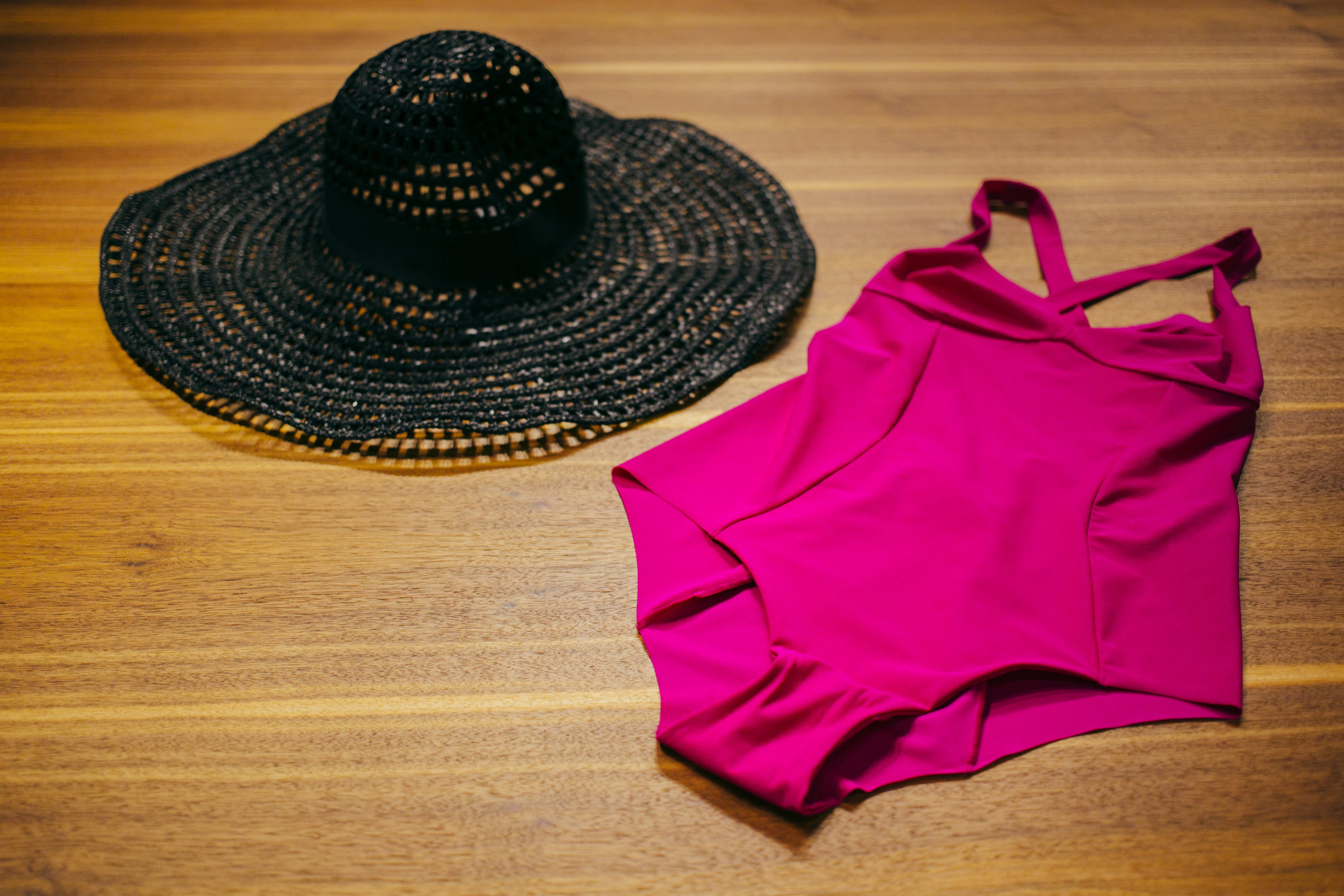 Yamamay- едноделен костим за капењеWeekend Max Mara- шешир