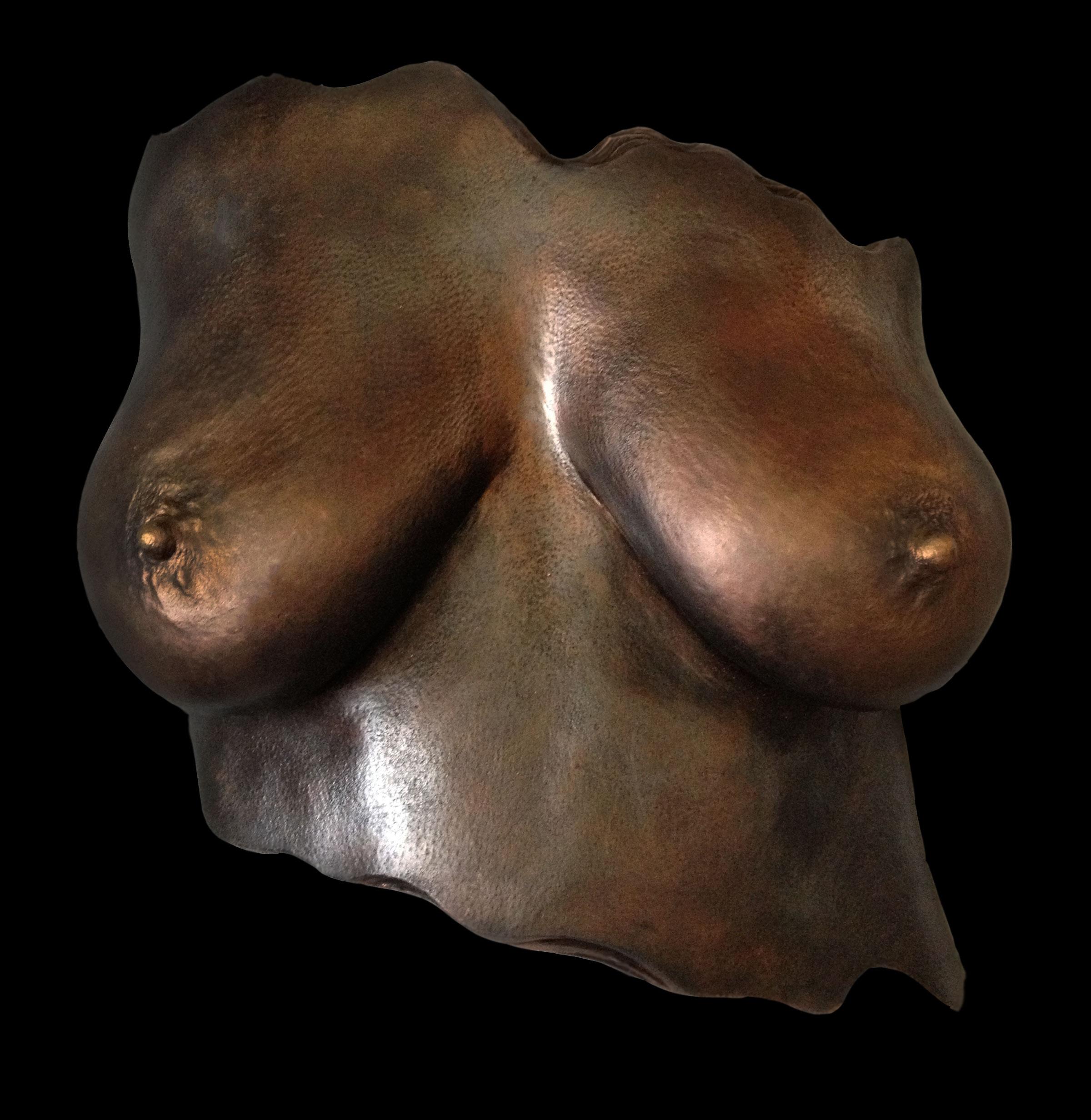 issy-boobs.jpg
