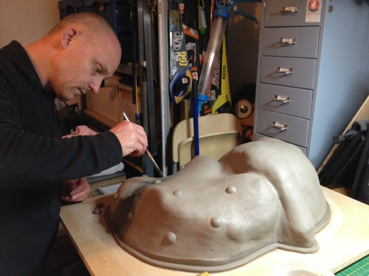 André Masters working on matrix mould