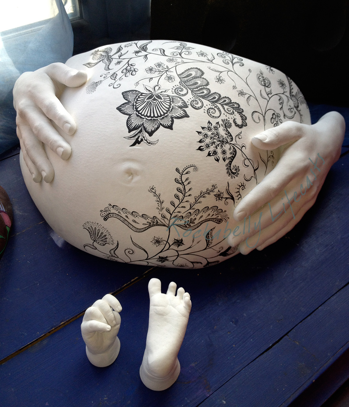 Rockabelly_painted_henna_pregnant_belly_cast.jpg