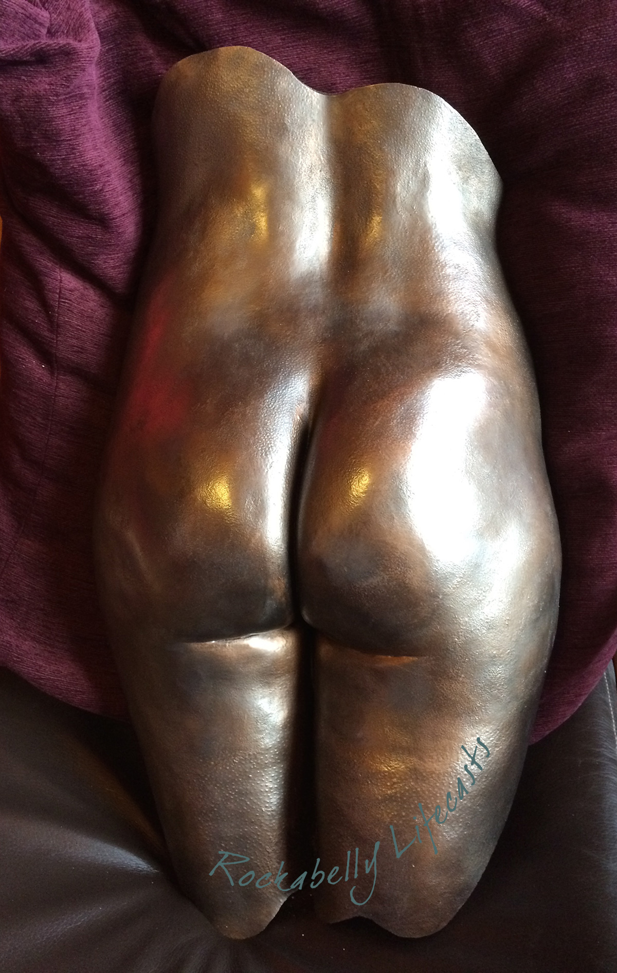Rockabelly female bronze bottom casting