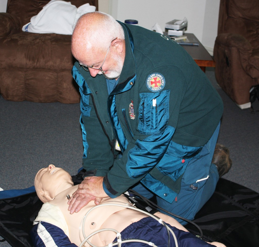Steve-does-CPR-on-the-manikin-pc-1024x978.jpg