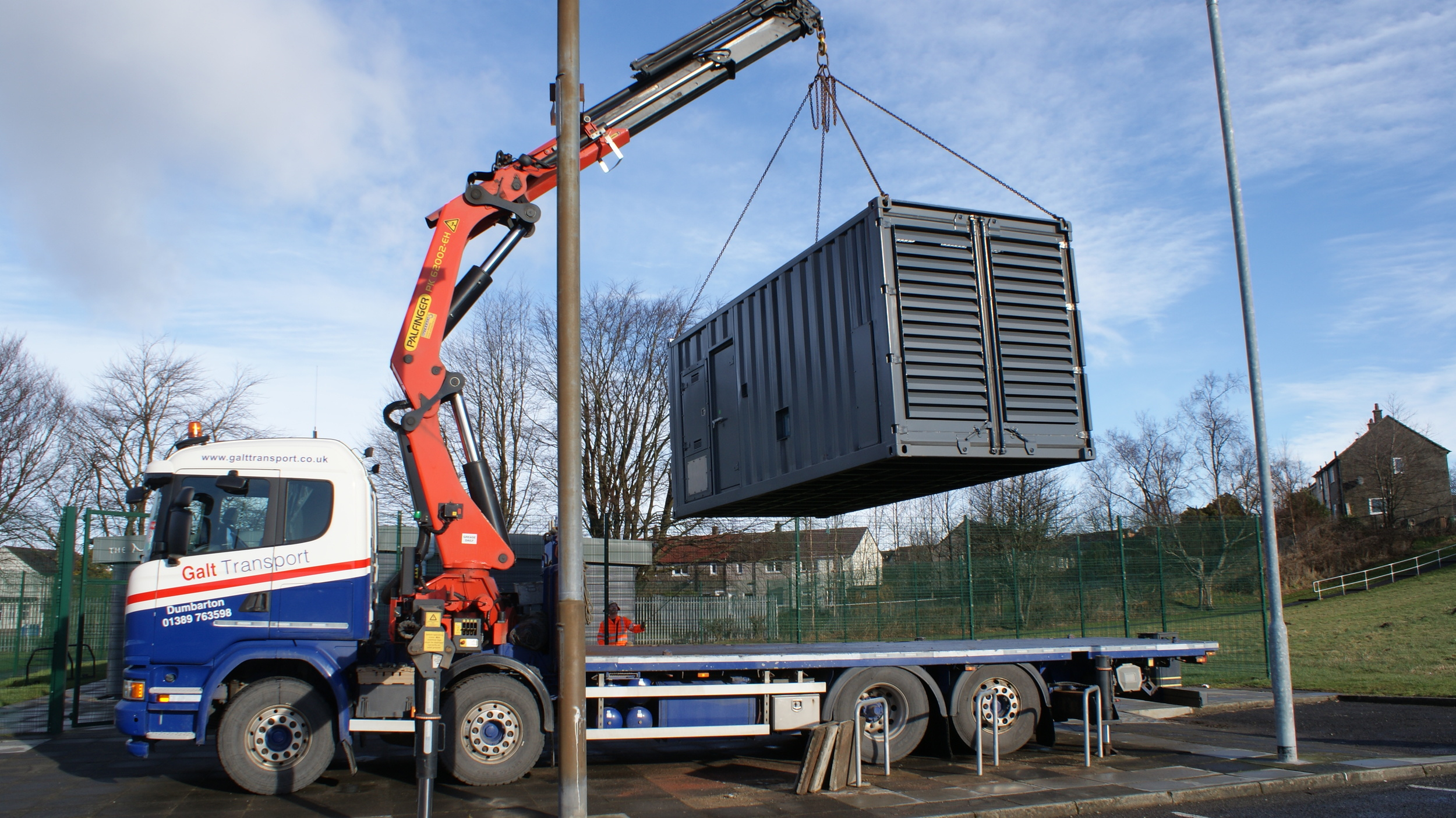 Hiab lift of container