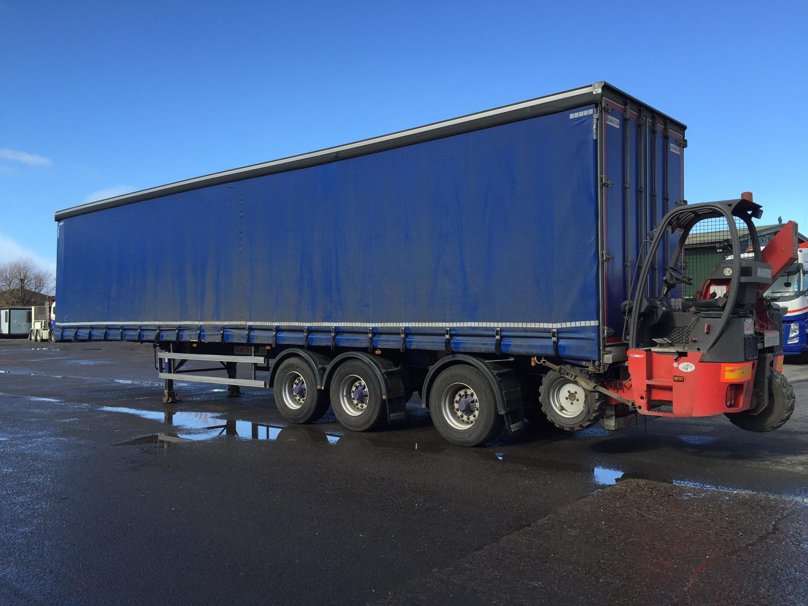 trailer mounted forklift.JPG