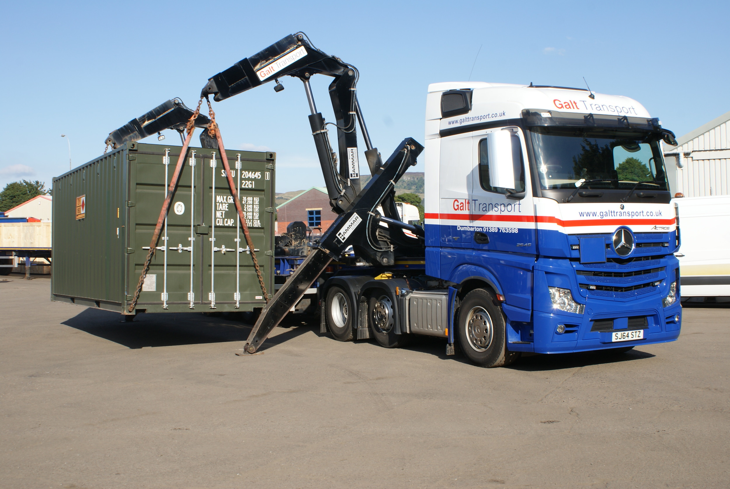 Hammar Container Lift in action