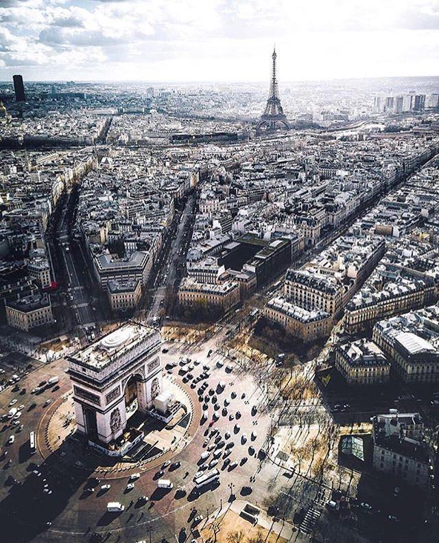 Paris is always a good idea |Tag someone who would love this 👇 Photo @sebastianmzh