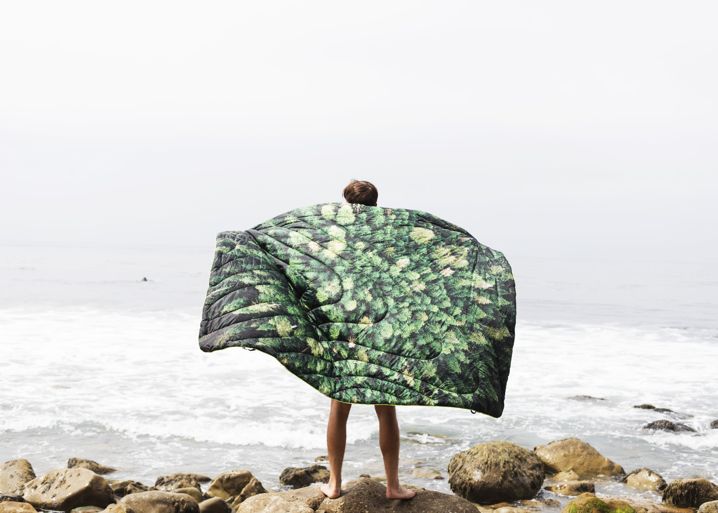 Rumpl18_OldGrowthPuffyBlanket_@pineandpalmjournal_CountyLineBeach_#9.jpg