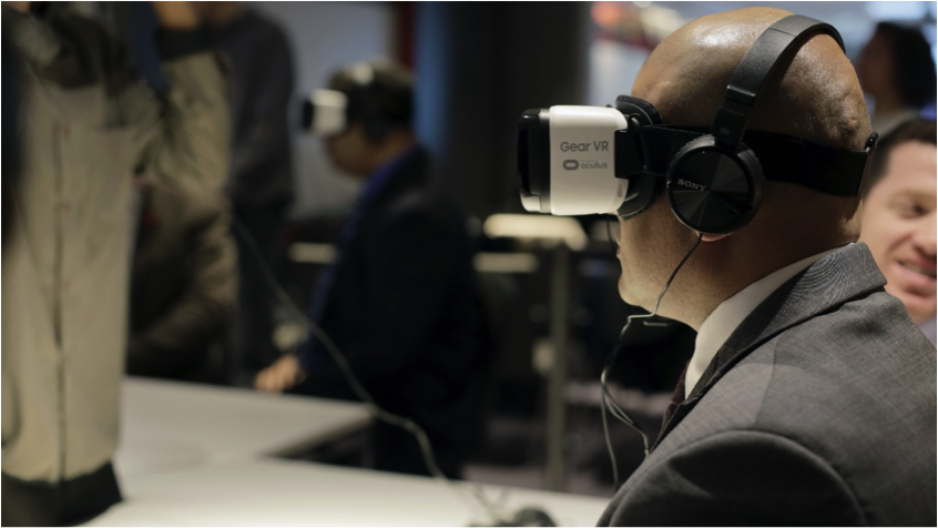 Clients using the Samsung Gear VR headset