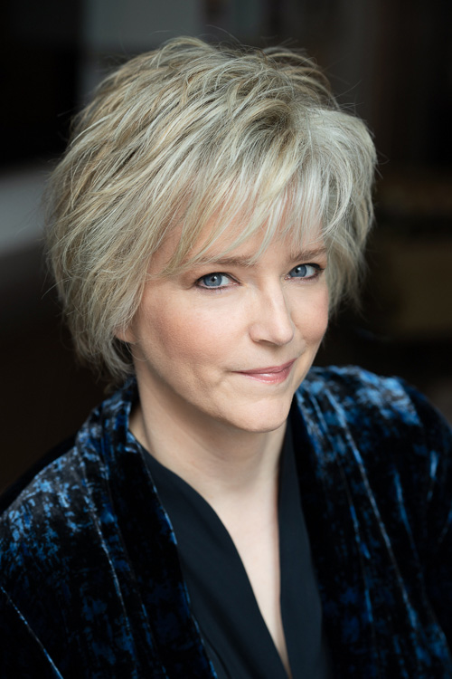 Karin Slaughter is one of the world's most popular and acclaimed storytellers. -